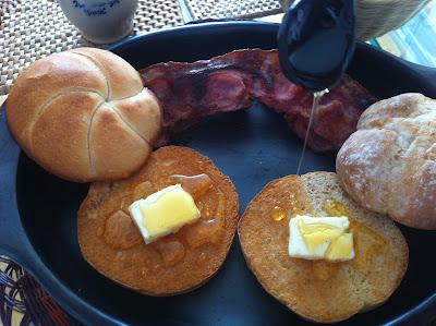 Bollitos con mantequilla, miel y bacon estilo Tyrion Lannister